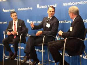Marshal SIkorski(in the middle) at the Atlantic Council(Photo: twitter.com/AtlanticCouncil)